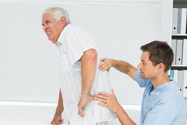 khắc phục nhức mỏi người cao tuổi 1